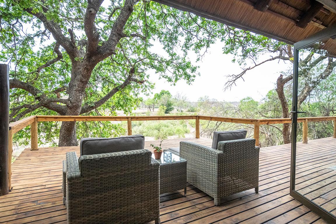 Luxury suite viewing deck